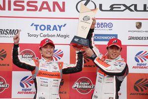 Race winners Tomoki Nojiri, Takuya Izawa, ARTA