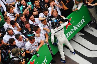 Valtteri Bottas, Mercedes AMG F1 W09 EQ Power+ celebrates in Parc Ferme with his mechanics