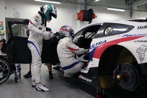 Йессе Крон и Алессандро Дзанарди, BMW M8 GTE