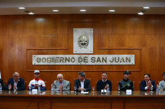 Dr Marcelo Jorge Lima, Leandro Mercado, Orelac Racing Team, Jorge Chica, Dr Sergio Una, gobernador de San Juan, Jonathan Rea, Kawasaki Racing