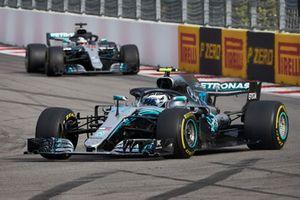 Valtteri Bottas, Mercedes AMG F1, leads Lewis Hamilton, Mercedes AMG F1