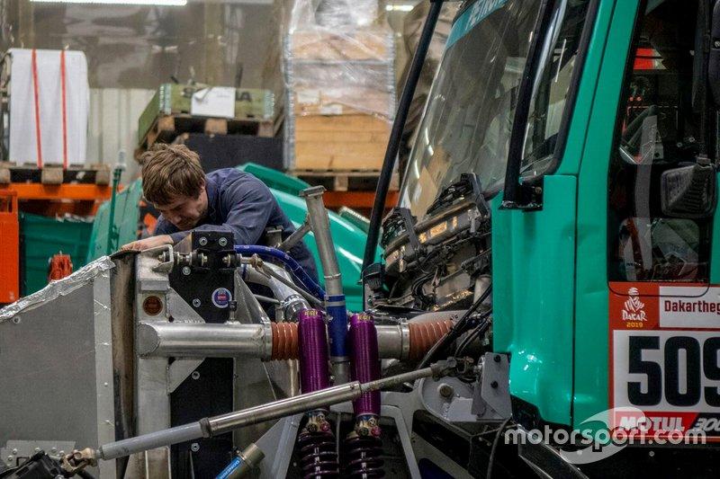 Mecánico, Team Petronas De Rooy Iveco