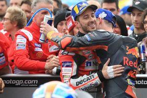 Le vainqueur Andrea Dovizioso, Ducati Team, le troisième, Pol Espargaro, Red Bull KTM Factory Racing