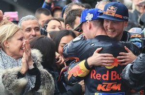 3. Pol Espargaro, Red Bull KTM Factory Racing, mit Bradley Smith, Red Bull KTM Factory Racing