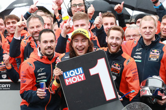 Race winner Can Öncü, Red Bull KTM Ajo celebrates in parc ferme