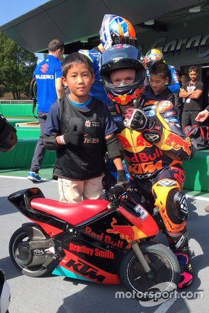 Bradley Smith, Red Bull KTM Factory Racing, carrera de minimotos