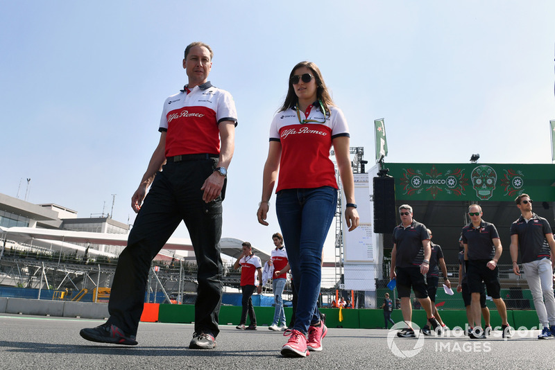 Tatiana Calderon, Sauber Test Driver walks the track