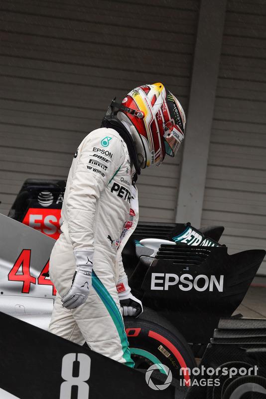 Lewis Hamilton, Mercedes-AMG F1 W09, nel parco chiuso