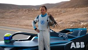 Felipe Massa poses with the falcon