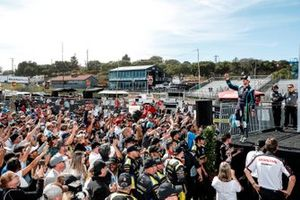 Romain Grosjean, Dale Coyne Racing with RWR Honda with fans