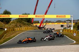 Daniel Ricciardo, McLaren MCL35M, Antonio Giovinazzi, Alfa Romeo Racing C41, George Russell, Williams FW43B, and Lance Stroll, Aston Martin AMR21