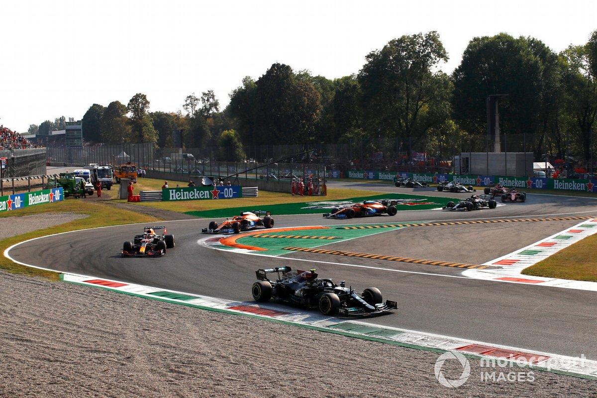 Valtteri Bottas, Mercedes W12, Max Verstappen, Red Bull Racing RB16B, Daniel Ricciardo, McLaren MCL35M