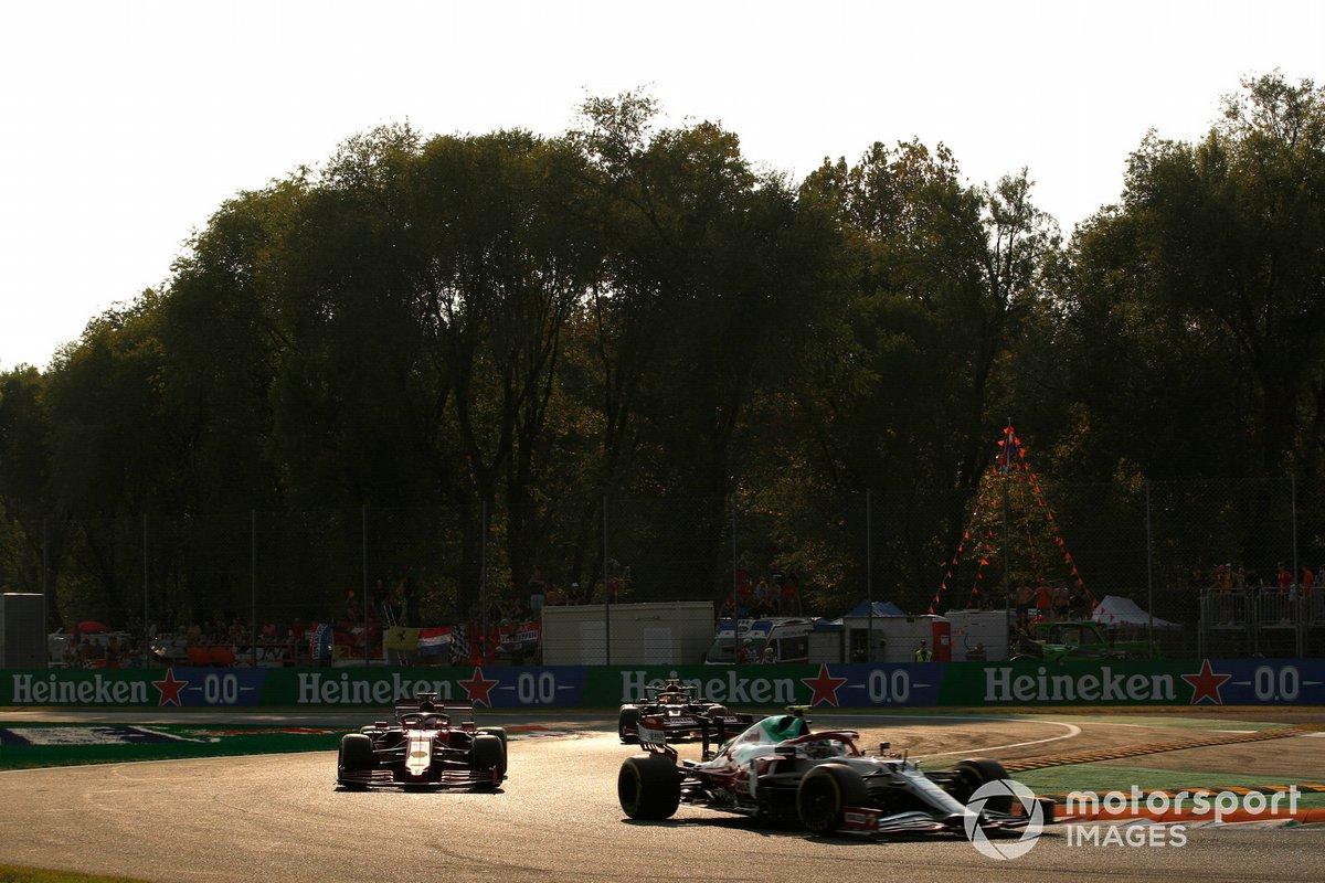 Antonio Giovinazzi, Alfa Romeo Racing C41, Charles Leclerc, Ferrari SF21