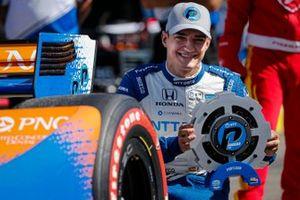 Алекс Палоу, Chip Ganassi Racing Honda, с наградой за поул