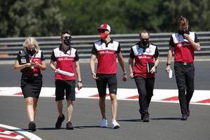 Antonio Giovinazzi, Alfa Romeo Racing, walks the track