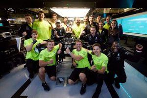 Valtteri Bottas, Mercedes, 1st position, celebrates wit hhis team