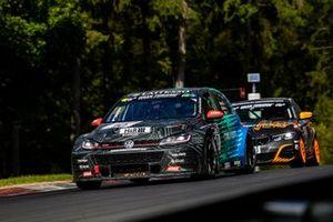 #10 Max Kruse Racing Volkswagen Golf GTI TCR: Andreas Gülden, Matthias Wasel, Frederic Yerly