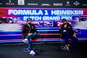 Fernando Alonso, Alpine F1 and Sergio Perez, Red Bull Racing in the press conference