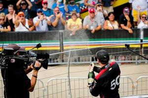 Podio: ganador Will Power, Team Penske Chevrolet Big Machine Spiked Coolers Grand Prix