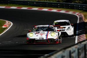 #25 Huber Motorsport Porsche 911 GT3 R: Achim Thyssen, Nico Menzel