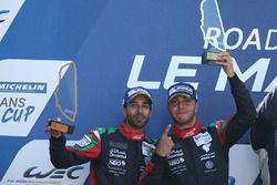 Podio: #97 TF Sport Aston Martin V12 Vantage GT3: Ahmad Al Harthy, Tom Jackson