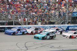 Denny Hamlin, Joe Gibbs Racing Toyota Brad Keselowski, Team Penske Ford Elliott Sadler, JR Motorspor