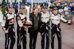 Racewinnaars Sébastien Ogier, Julien Ingrassia, M-Sport and derde plaats Ott Tänak, Martin Järveoja,
