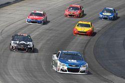 Dale Earnhardt Jr., Hendrick Motorsports Chevrolet, Chris Buescher, JTG Daugherty Racing Chevrolet,