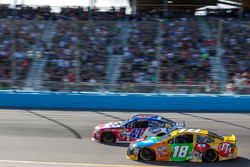 Kyle Busch, Joe Gibbs Racing, Toyota; A.J. Allmendinger, JTG Daugherty Racing, Chevrolet