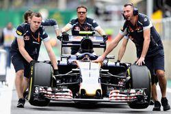 Auto de Carlos Sainz Jr., Scuderia Toro Rosso STR11