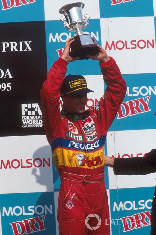 Eddie Irvine, Jordan, no pódio