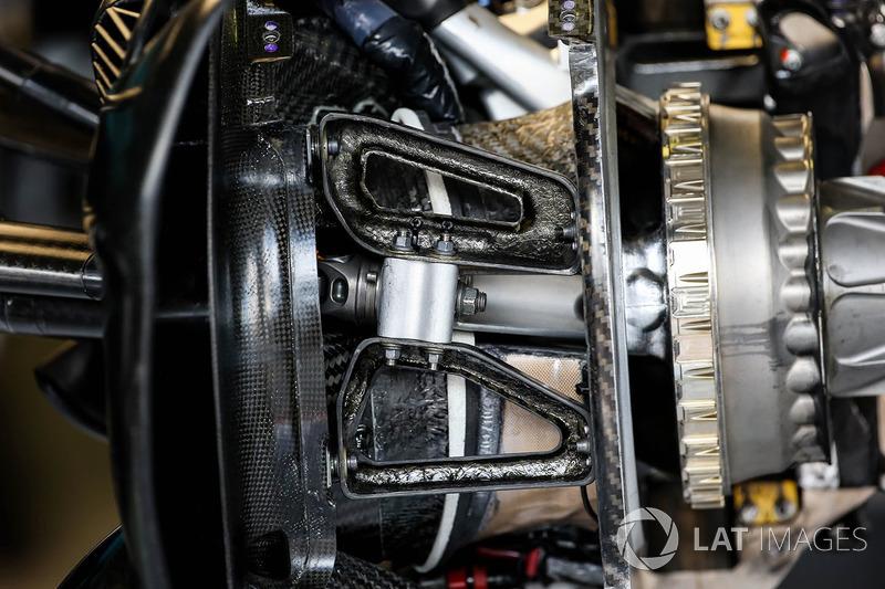 تفاصيل قناة تهوية المكابح الأمامية لسيارة ريد بُل