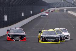 Пол Менард, Richard Childress Racing Chevrolet и Карл Лонг, Toyota Camry