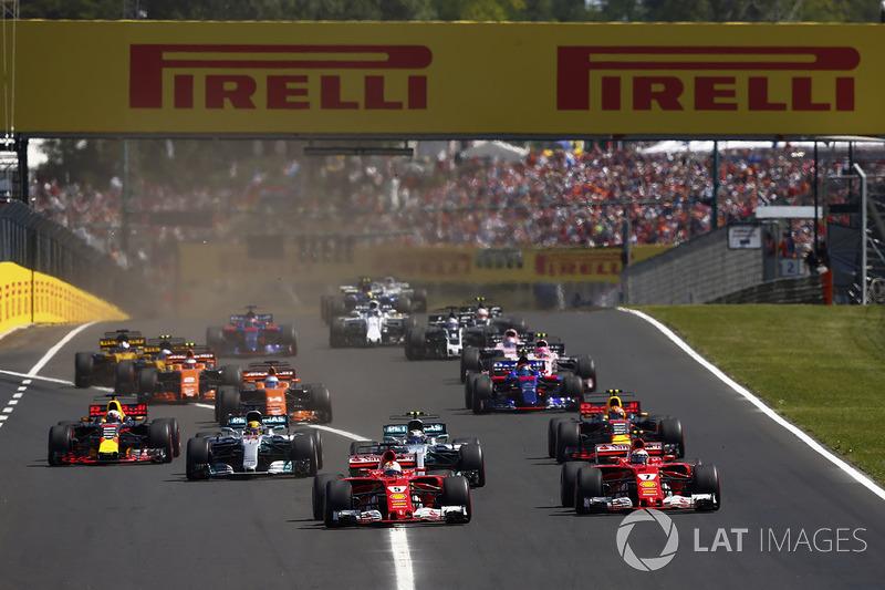 Sebastian Vettel, Ferrari SF70H, Kimi Raikkonen, Ferrari SF70H, Valtteri Bottas, Mercedes AMG F1 W08