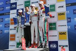 Podium: 1. Callum Ilott, Prema Powerteam, Dallara F317 - Mercedes-Benz; 2. Lando Norris, Carlin Dall
