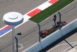 Romain Grosjean, Haas F1 Team, abandonne après un accrochage