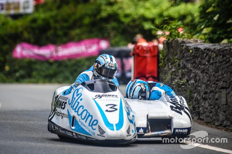 Sidecar TT 2: 2. Platz - John Holden / Lee Cain, Silicone Engineering Barnes Racing