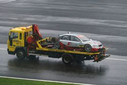 Damaged car of Frank Stippler, Joest Racing Audi A4