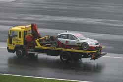 Coche dañado de Frank Stippler, Joest Racing Audi A4