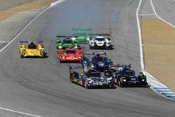 Arrancada #10 Wayne Taylor Racing Cadillac DPi: Ricky Taylor, Jordan Taylor líder