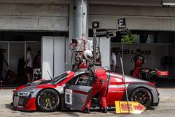 Pit stop, #16 Audi Sport Team Phoenix, Audi R8 LMS: Pierre Kaffer, Rene Rast, Markus Winkelhock