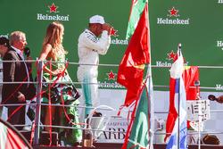 Race winner Lewis Hamilton, Mercedes AMG F1, on the podium