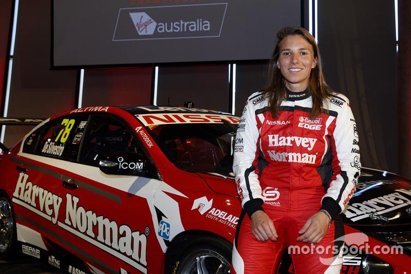 Simona de Silvestro, pembalap Supercars