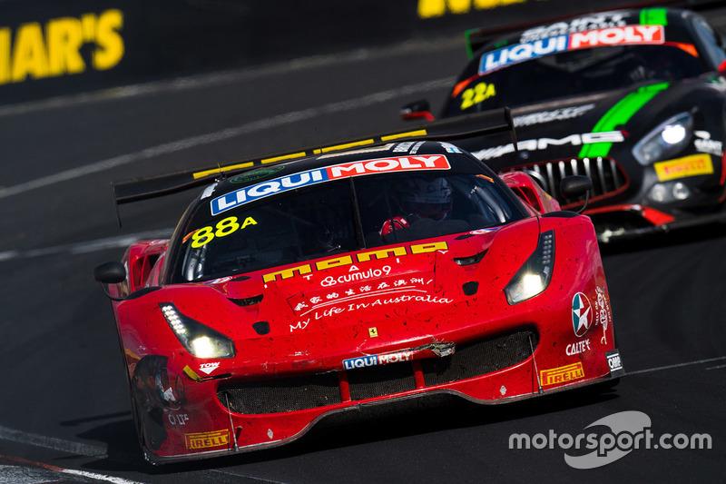 Stundenlanger Kampf um den Sieg: #88 Maranello-Ferrari vs. #22 HTP-Mercedes