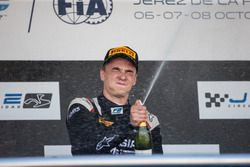 Podium: Artem Markelov, RUSSIAN TIME