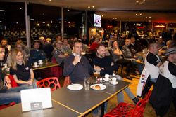 Bijeenkomst fanclub Stoffel Vandoorne bij Worldkarts, Kortrijk