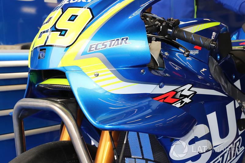 Обтекатель мотоцикла Андреа Янноне, Team Suzuki MotoGP