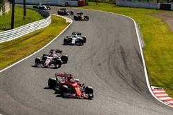 Sebastian Vettel, Ferrari SF70H, Sergio Perez, Sahara Force India F1 VJM10, Felipe Massa, Williams F