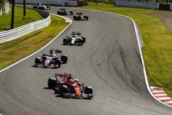 Sebastian Vettel, Ferrari SF70H, Sergio Perez, Sahara Force India F1 VJM10, Felipe Massa, Williams FW40