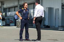 Christian Horner, team principal Red Bull Racing et Eric Boullier, directeur de la compétition de McLaren